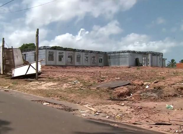 Obras de centros de hemodiálise estão paradas (Foto: Reprodução/TV Mirante)