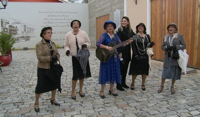 Seresteiras de Mogi das Cruzes apresentam repertório cheio de romantismo  (Foto: Reprodução / TV Diário )