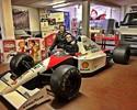 Na Itália, Falcão recebe homenagens e posa em carros de Ayrton Senna