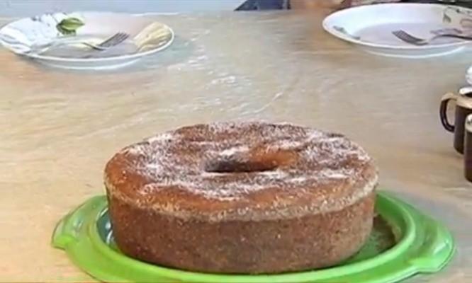 Na edição deste sábado, aprenda a receita de um delicioso bolo de banana (Foto: Reprodução TV TEM)