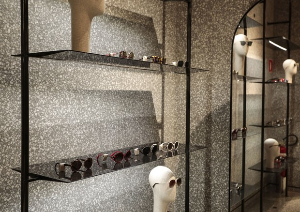 Valentino recebe convidadas para lançar nova coleção de óculos (Foto: Divulgação)