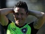 Canales vai passar por cirurgia e não joga mais pelo Botafogo na temporada