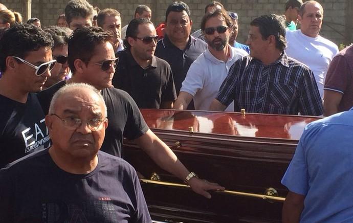 fernandão enterro (Foto: Globoesporte.com)