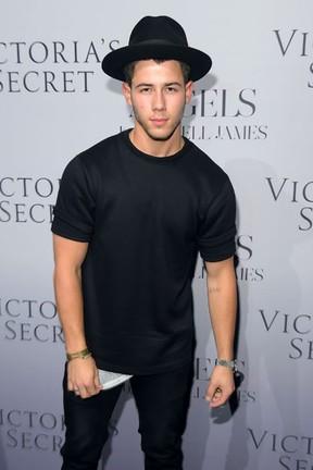 Nick Jonas em evento em Nova York, nos Estados Unidos (Foto: Michael Loccisano/ Getty Images/ AFP)