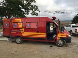 Van plotada como ambulância era usada para transportar as drogas (Foto: Divulgação/Polícia Federal)