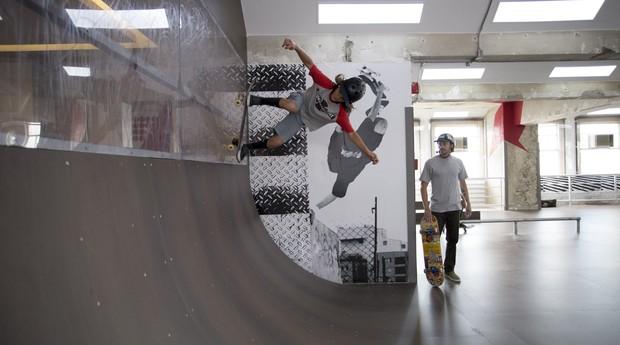 Pista de skate está à disposição do público no Farol Santander (Foto: Divulgação)