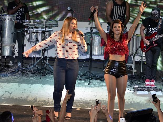Preta Gil e Mari Antunes em show na Zona Norte do Rio (Foto: Roberto Teixeira/ EGO)