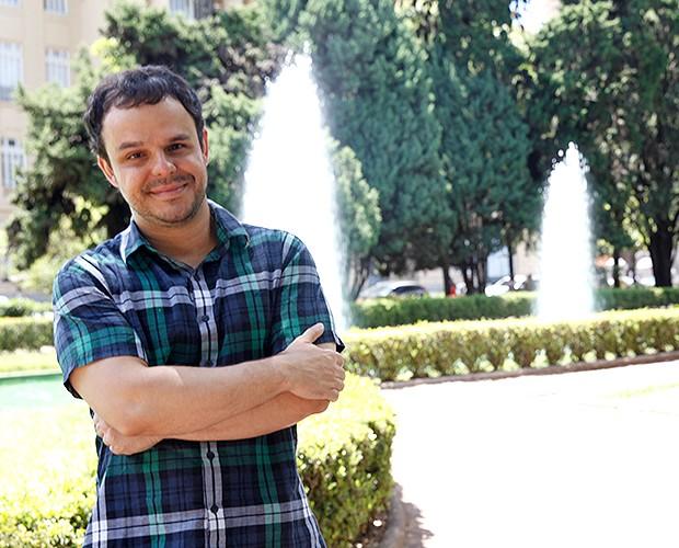 Adrilles é poeta (Foto: Leonardo Viso/Gshow)