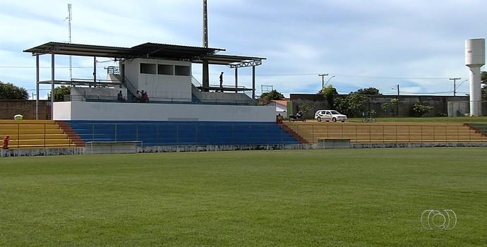 Estádio Ferreirão - Iporá (Foto: Reprodução / TV Anhanguera)