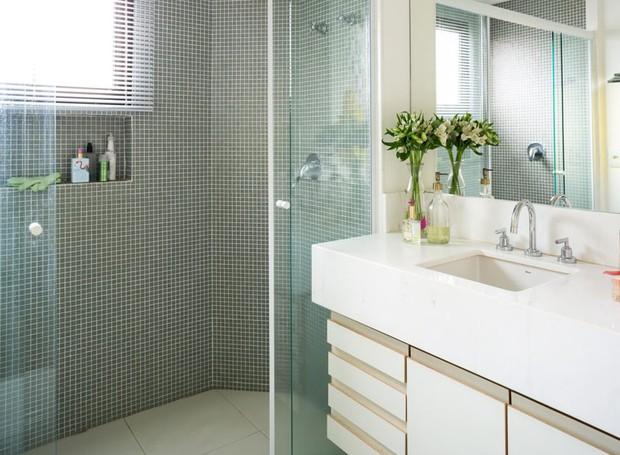 apartamento-arquiteta-gabriela-marques-decoração-verde-bancada (Foto: Edu Castello/Editora Globo)