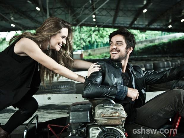 Juliana Paiva e Rodrigo Simas: total sintonia dentro e fora da ficção (Foto: Marcelo Corrêa)