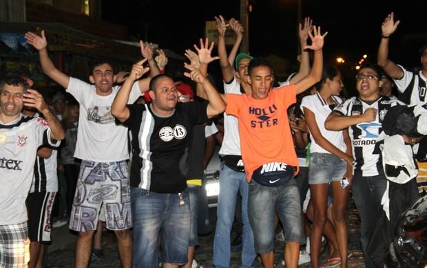 Confusão, torcida do Treze no Estádio PV (Foto: Magnus Menezes / Jornal da Paraíba)