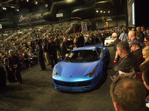 Ferrari 458 de Justin Bieber foi vendida por R$ 434.500 (Foto: Patrick Breen/The Arizona Republic via AP)