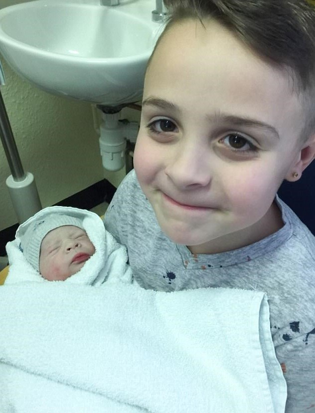 Jack, de 8 anos, e o irmãozinho Olly (Foto: Arquivo pessoal)