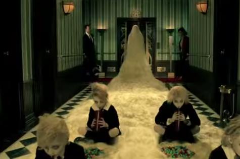 Cena do trailer de 'American Horror Story: Hotel' (Foto: Reprodução)