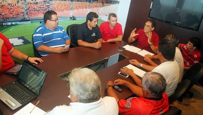 Reunião na FAF  (Foto: Antônio Assis)