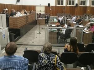 Câmara convidou secretário para sessão, mas ele não compareceu (Foto: Cláudio Nascimento/ TV TEM)