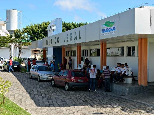 Familiares estão recebendoassistência psicossocial e logística da Semasdh (Foto: Adneison Severiano/G1 AM)