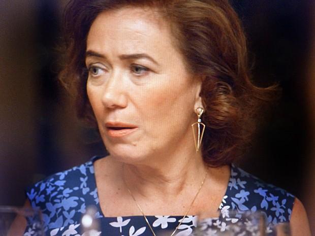 'Eu sei bem o que é ser jogada pra escanteio pelo Imperador', diz Marta à filha (Foto: TV Globo)