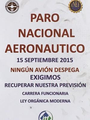 Cartaz sobre paralisação dos controladores de voo no Chile  (Foto: Renata Silva/ VcnoG1)
