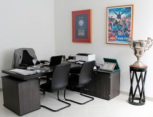 Fazendão reformado: sala do presidente do Bahia (Foto: Divulgação/EC Bahia)