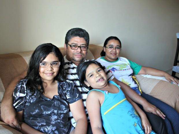 Ex-padre e família Amazonas (Foto: Adneison Severiano G1/AM)
