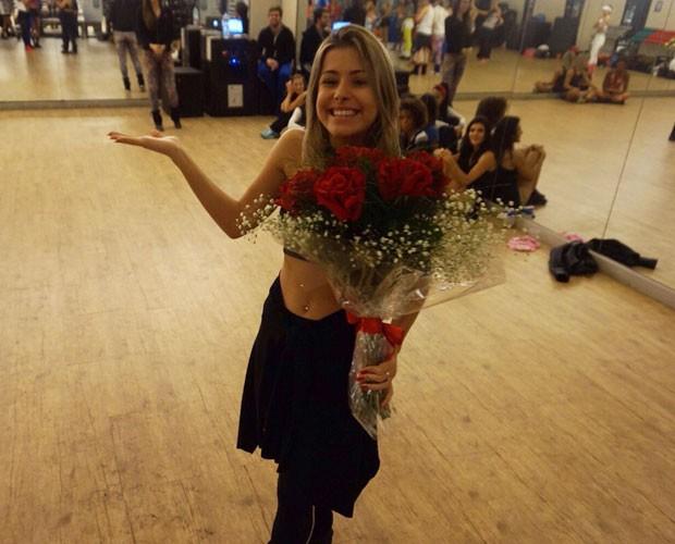 Mayara Araújo não esconde alegria após surpresa (Foto: Arquivo Pessoal)