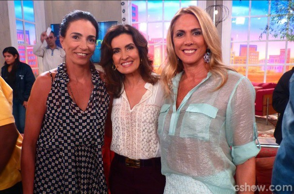 A apresentadora com as assistentes técnicas do TUF, Isabel e Hortência  (Foto: Encontro com Fátima Bernares/TV Globo)