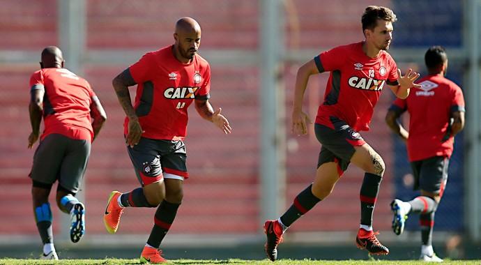 treino buenos aires atlético-pr (Foto: Albari Rosa/Gazeta do Povo)