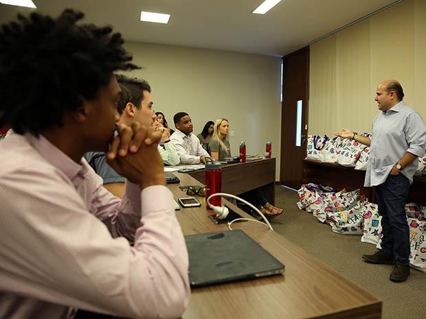 Prefeito de Fortaleza recepciona alunos da Universidade de Arizona que estão em Fortaleza para atividades práticas de administração e internacionalização de empresas (Foto: Ares Soares/Unifor)