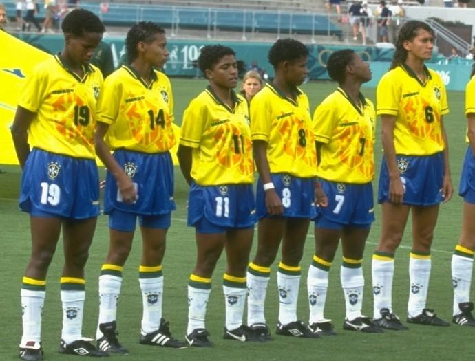 seleção feminina futebol 1996 (Foto: AP)
