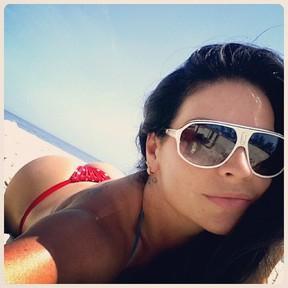 Solange Gomes de biquíni (Foto: Instagram)