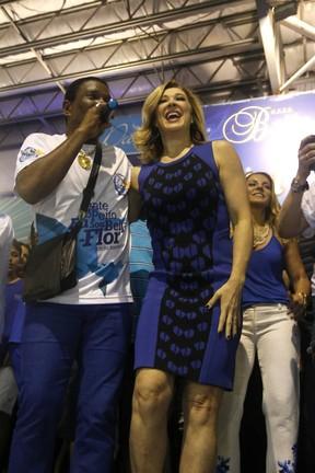 Neguinho da Beija-Flor e Claudia Raia na quadra da Beija-Flor em Nilópolis, Zona Metropolitana do Rio (Foto: Ag. News)