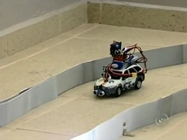 Kleber Moreti, criador do Auto-Drive, ganhou uma bolsa de estudos nos Estados Unidos.  (Foto: Reprodução TV TEM)