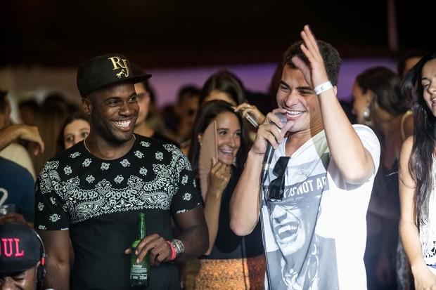 Thiago Martins e Rafael Zulu (Foto: Marcos Samerson / Agência We love Photo!)
