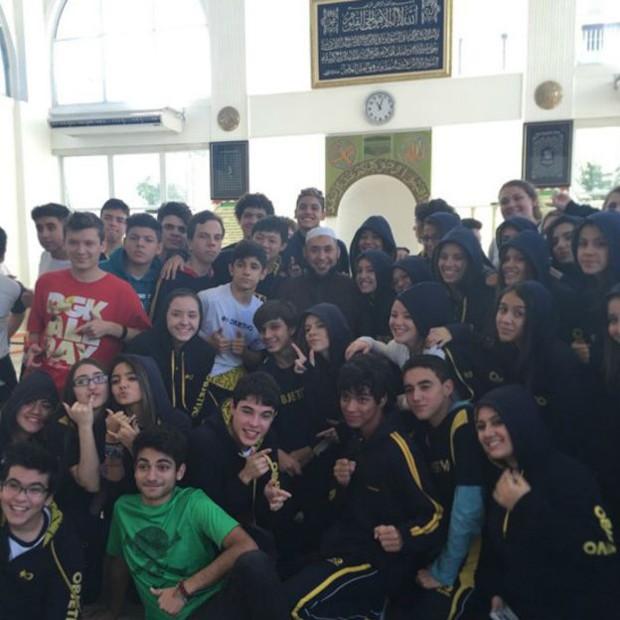 """Aulas para adolescentes são """"onde me realizo"""", segundo sheik Rodrigo  (Foto: Instagram)"""