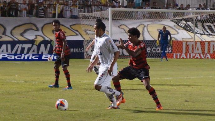 ABC x Oeste, no Estádio Frasqueirão (Foto: Augusto Gomes/GloboEsporte.com)