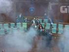 Oposição lança gás lacrimogêneo no Parlamento de Kosovo