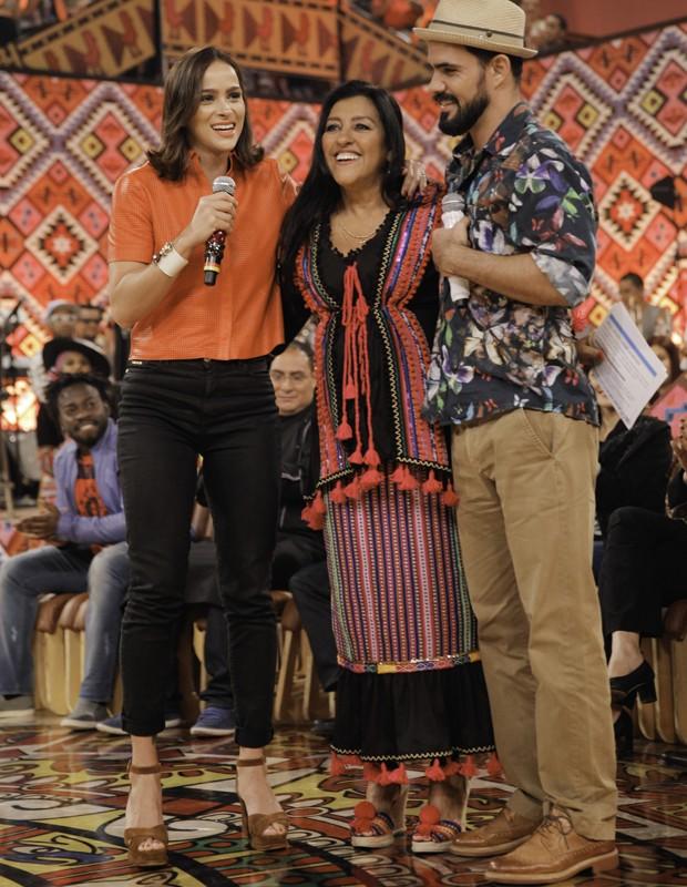 Letícia Bastos, Regina Casé e Juliano Cazarré (Foto: João Pedro Januário / Globo)