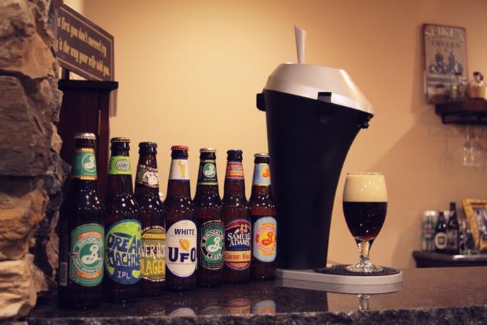 Aparelho ajuda a servir a cerveja sem estragar seu gosto (Foto: Reprodução/Indiegogo)