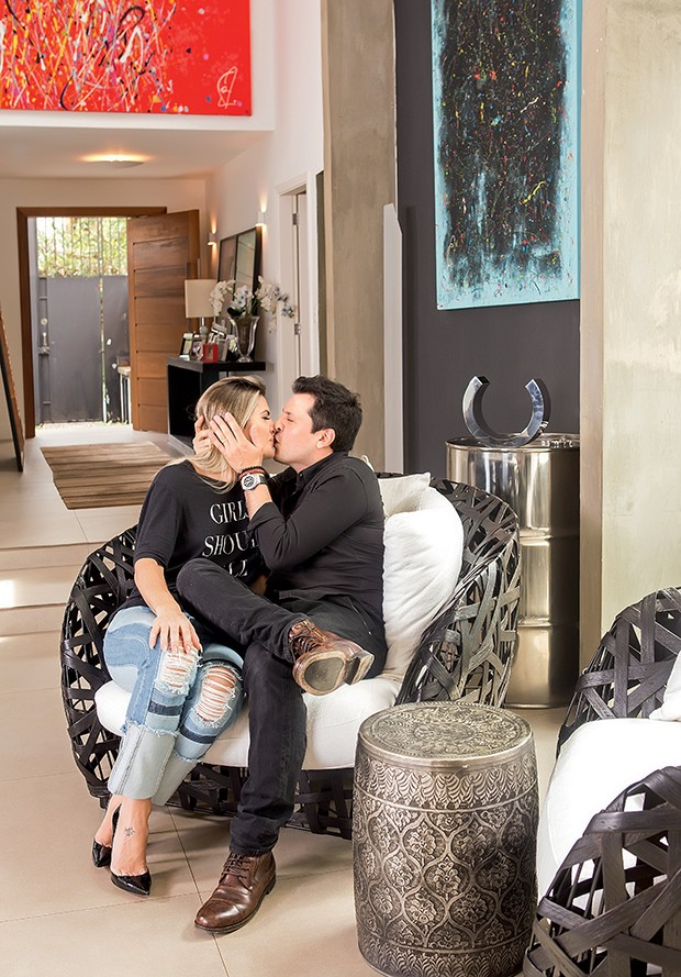"""""""Acho essencial o casal  ter o momento só dele"""",  diz Mirella  (Foto:  )"""