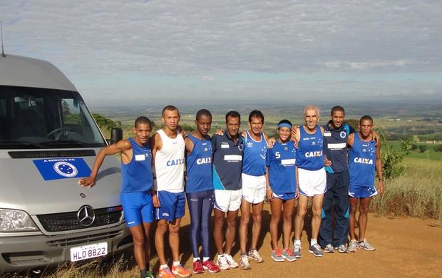 Atletas da Equipe do Cruzeiro participam de etapa do Circuito de Corridas Caixa em Uberlândia (Foto: Divulgação)