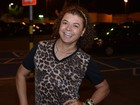 David Brazil usa tiara de R$ 2 mil presenteada por Sabrina Sato