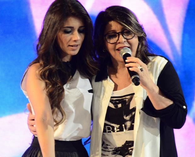 Donas de vozes marcantes, Roberta Miranda e Paula Fernandes fazem parceria (Foto: Ellen Soares/TV Globo)