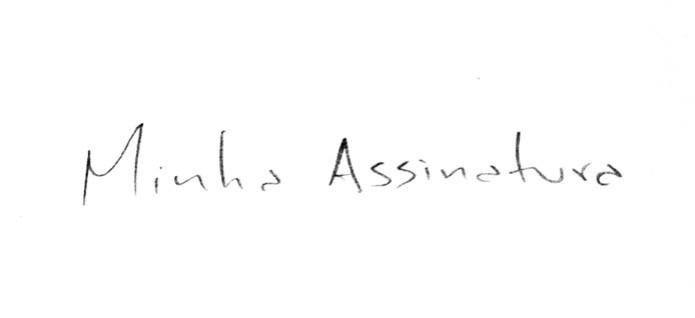 Assinatura em preto e branco (Foto: Reprodução/André Sugai) (Foto: Assinatura em preto e branco (Foto: Reprodução/André Sugai))