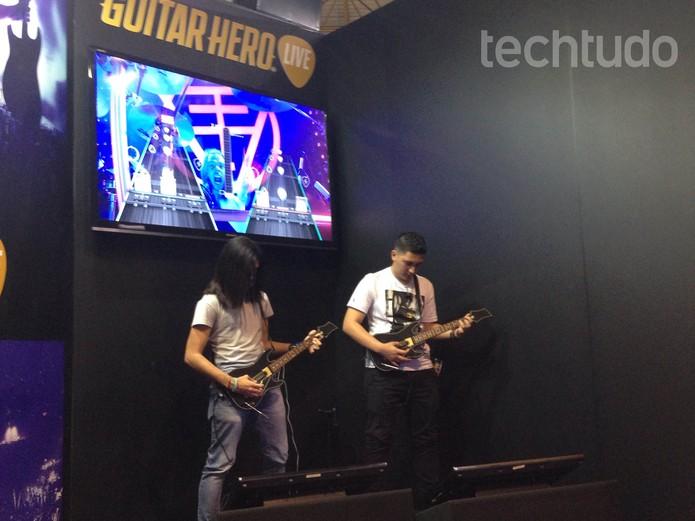 Guitar Hero na BGS 2015 (Foto: Cássio Barbosa/ TechTudo)