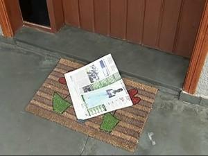 Cessar entrega de jornais ajuda a prevenir furtos (Foto: Reprodução/ TV TEM)