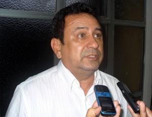 Gilson Mota achou ótimo o valor atual do ingresso (Foto: Paulo Rogério/GLOBOESPORTE.COM)