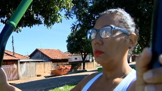 """Com quase 1 ano de vida saudável, diarista chora ao lembrar da mãe: """"Dedico a ela"""""""