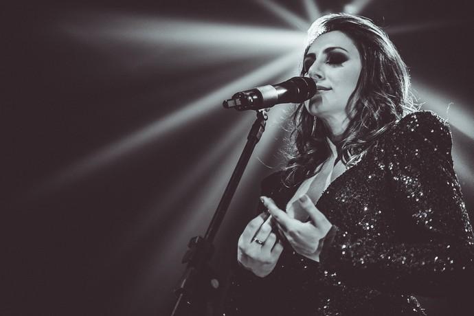 Lilian apresenta canções de álbum autoral  (Foto: Alice Venturi/Divulgação)